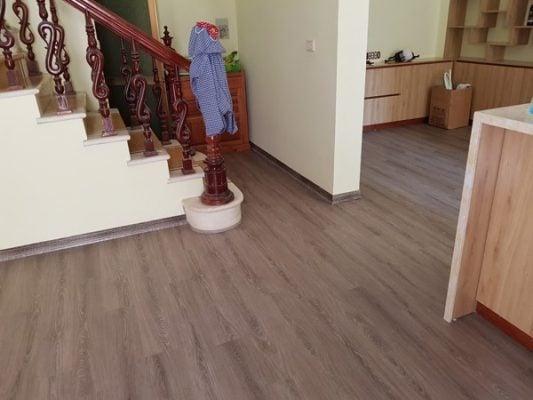 Công trình sàn nhựa hèm khóa nhà ở