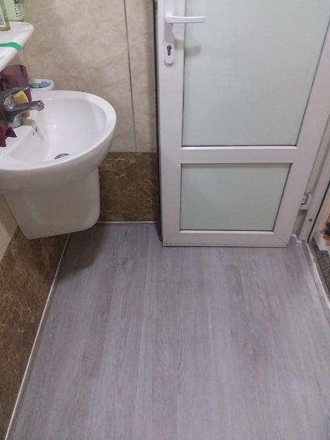 Vật liệu lát sàn nhà tắm