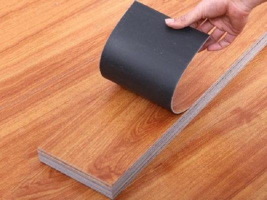 Thảm nhựa trải sàn vân gỗ dạng tấm