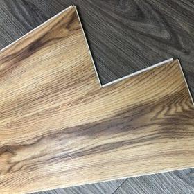 Nên dùng sàn nhựa dán keo hay sàn nhựa hèm khóa trang trí nhà cửa?