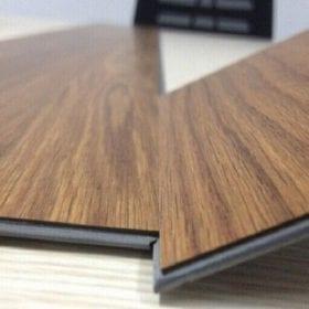 Sàn gỗ nhựa trong nhà loại nào tốt và đáng mua nhất hiện nay?