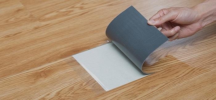 Đơn vị lắp đặt sàn nhựa có keo sẵn chuyên nghiệp