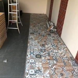 công trình sàn nhựa gạch bông
