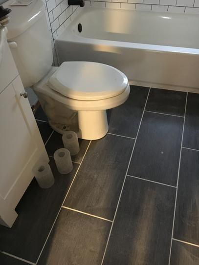 Gạch lát nền nhà tắm 30x60
