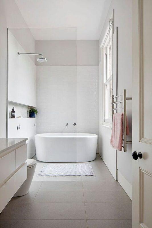 Thiết kế nhà tắm tông màu sáng