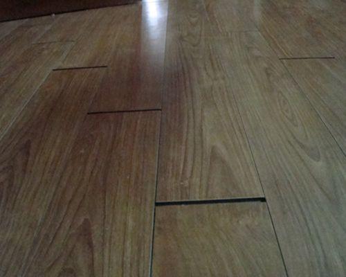 Sàn gỗ bị hở hèm