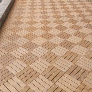 công trình sàn vỉ gỗ nhựa dạng đặc màu vàng nâu