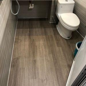 sàn nhựa lát nhà vệ sinh